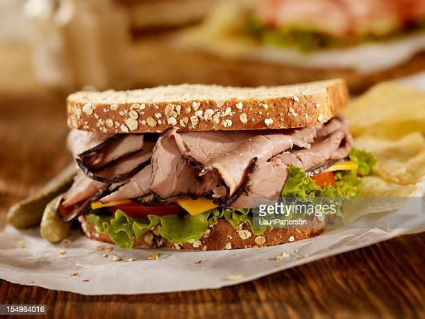 sanduíche de rosbife - comida de pub - fotografias e filmes do acervo