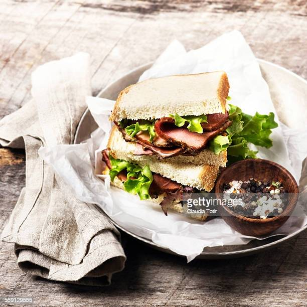 Roast beef sandwiches with lettuce