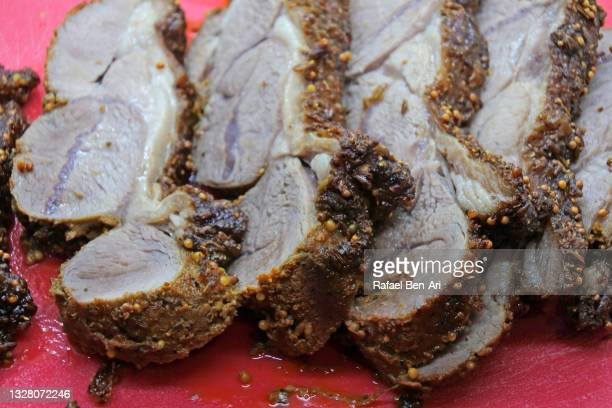 roasted leg of lamb slices - rafael ben ari photos et images de collection