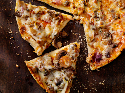 Roasted Mushroom, Garlic and Red Onion Thin Crust Pizza 629183108