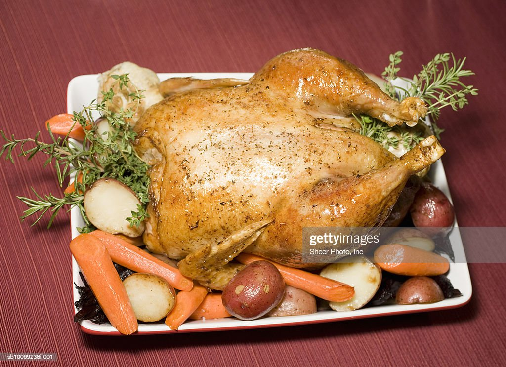 Roasted turkey with vegetables : Stockfoto