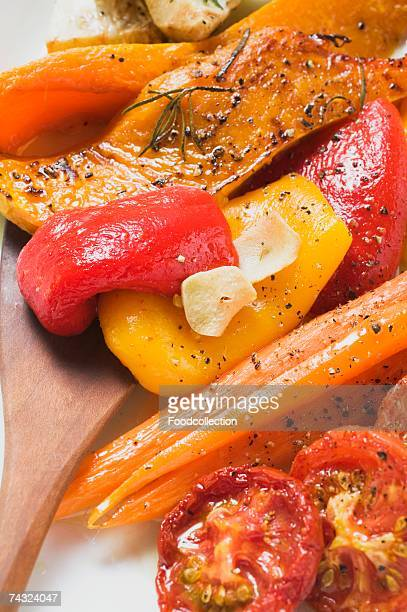 roasted vegetables (pumpkin, peppers, carrots, tomatoes) - roasted pepper stock photos and pictures