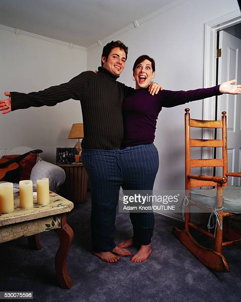 rob bonfiglio and carnie wilson wearing the same pair of slacks - carnie wilson husband stock pictures, royalty-free photos & images