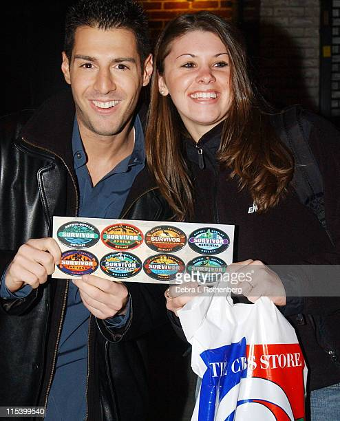 Rob Cesternino and fan during Norah Jones Jeff Goldblum and Rob Cesternino from Survivor All Stars Stop by The Late Show with David Letterman at Ed...