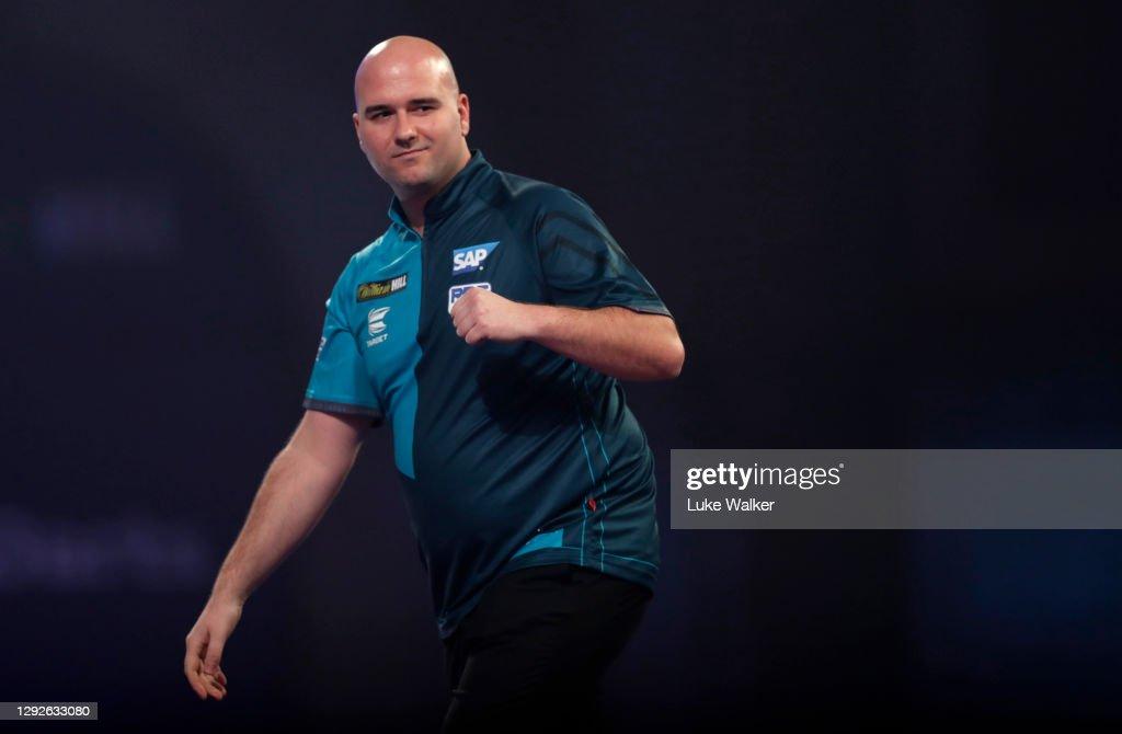 2020/21 PDC William Hill World Darts Championship - Day Eight : News Photo