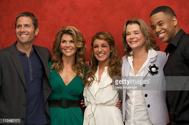 Rob Estes Lori Loughlin Shenae Grimes Jessica Walter and Tristan Wilds attend the 90210 press conference at the Four Seasons Hotel on October 1 2008...