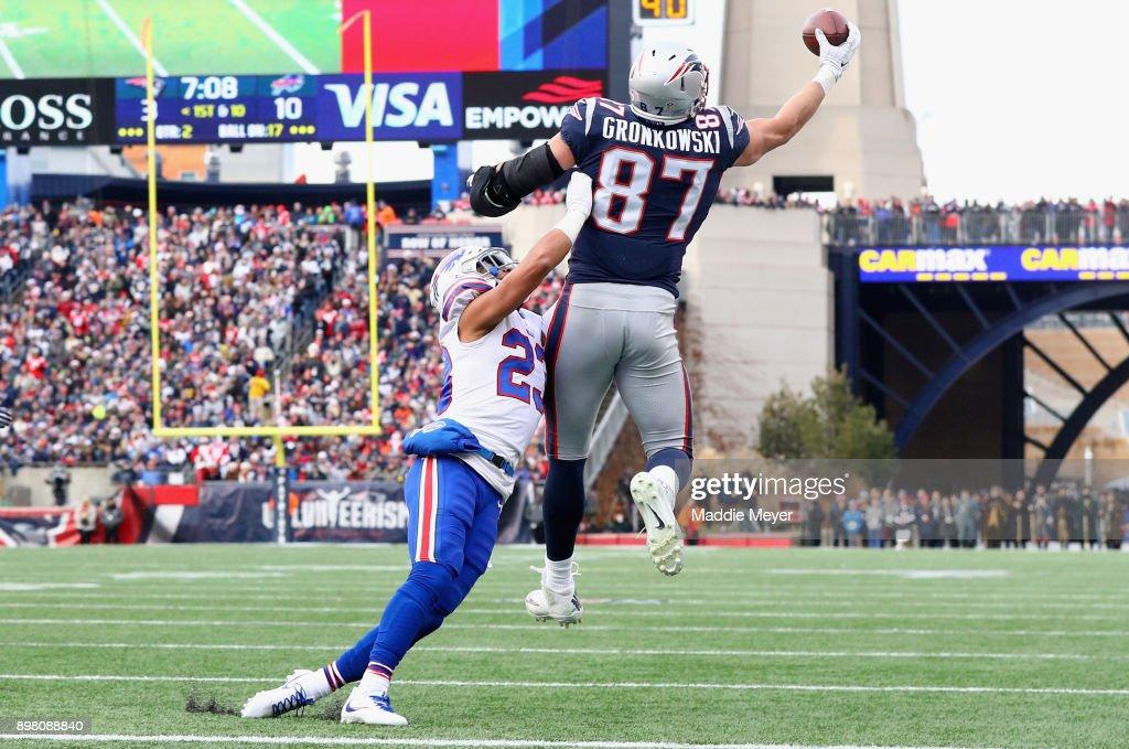 Buffalo Bills v New England Patriots : News Photo