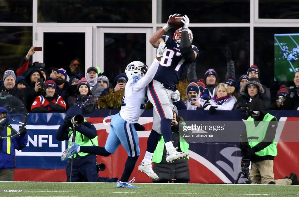 Divisional Round - Tennessee Titans v New England Patriots : News Photo