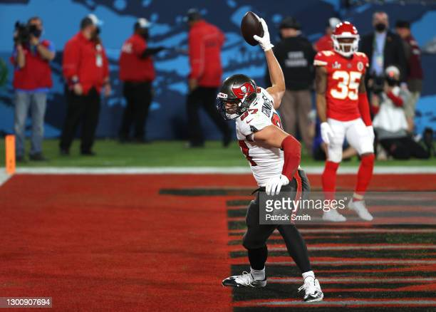 Rob Gronkowski of the Tampa Bay Buccaneers spikes the ball after scoring a 17 yard touchdown in the second quarter against the Kansas City Chiefs in...