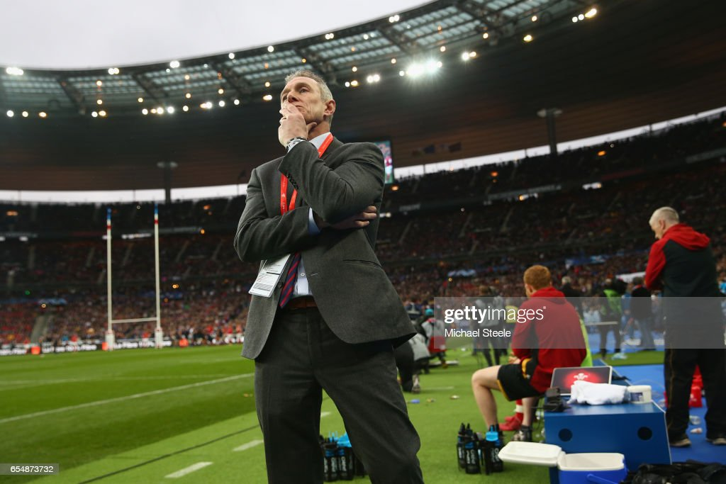Rob Howley the Wales Temporary Head Coach looks on as play continues deep into injury time forduring the RBS Six Nations match between France and Wales at Stade de France on March 18, 2017 in Paris, France.
