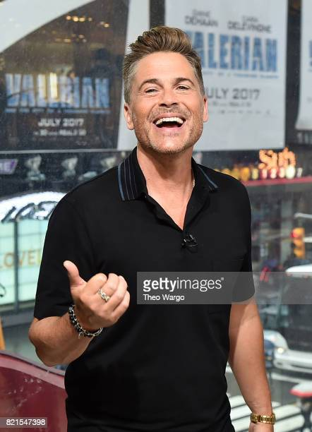 Rob Lowe Visits 'Extra' at HM in Times Square on July 24 2017 in New York City