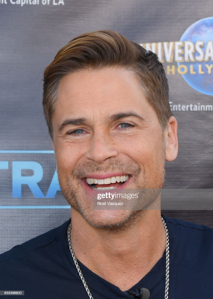 "Rob Lowe Visits ""Extra"""
