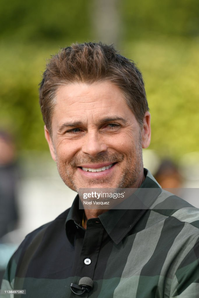 CA: Rob Lowe Visits Extra