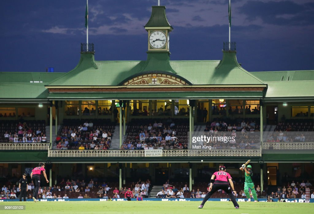 Rob Quiney of the Stars bats during the Big Bash League match between the Sydney Sixers and the Melbourne Stars at Sydney Cricket Ground on January 23, 2018 in Sydney, Australia.