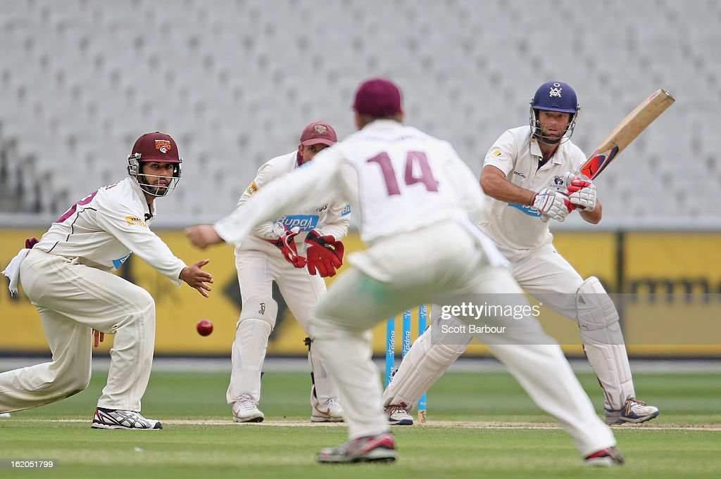 Rob Quiney of Victoria bats during day two of the Sheffield Shield match between the Victorian Bushrangers and Queensland Bulls at Melbourne Cricket Ground on February 19, 2013 in Melbourne, Australia.