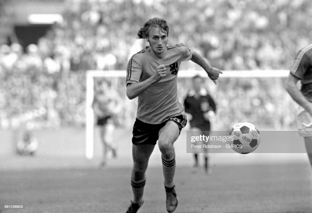 Soccer - World Cup West Germany 74 - Group Three - Holland v Bulgaria : News Photo