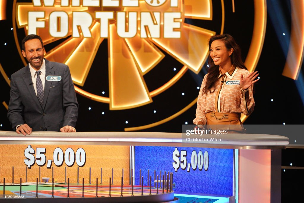 Fortune Rob Riggle Joe Tessitore And Jeannie Mai Celebrity Wheel News Photo Getty Images
