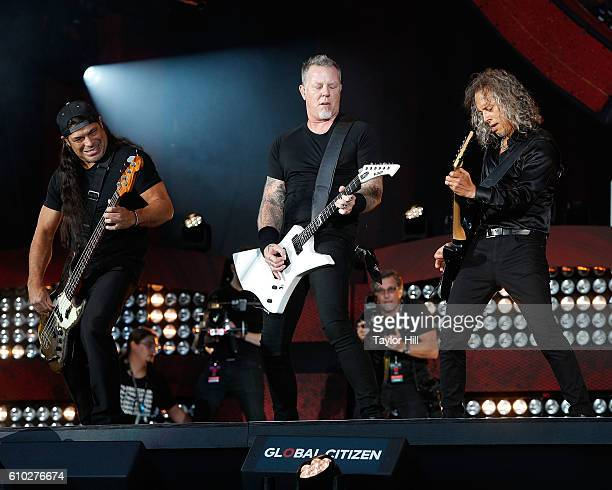 Rob Trujillo James Hetfield and Kirk Hammett of Metallica perform during the 2016 Global Citizen Festival at Central Park on September 24 2016 in New...