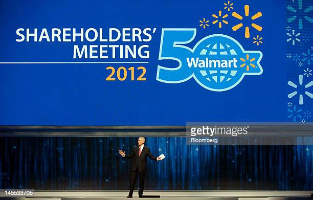 Rob Walton chairman of WalMart Stores Inc speaks at the company's annual shareholders meeting in Fayetteville Arkansas US on Friday June 1 2012 The...
