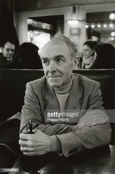 Robbert Doisneau in Paris France in February 1986 Robert Doisneau inside a bar