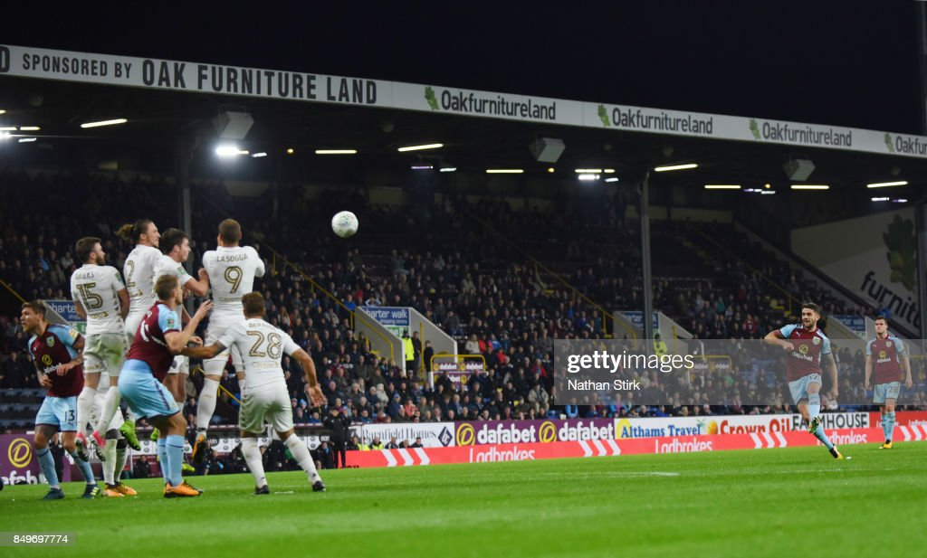 Robbie Brady of Burnley scores from a free kick during the Carabao Cup Third Round match between Burnley and Leeds United at Turf Moor on September 19, 2017 in Burnley, England.