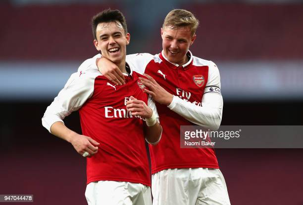 Robbie Burton of Arsenal celebrates with Danny Bullard of Arsenal after he scores his sides third goal during the FA Youth Cup Semi Final 2nd Leg...