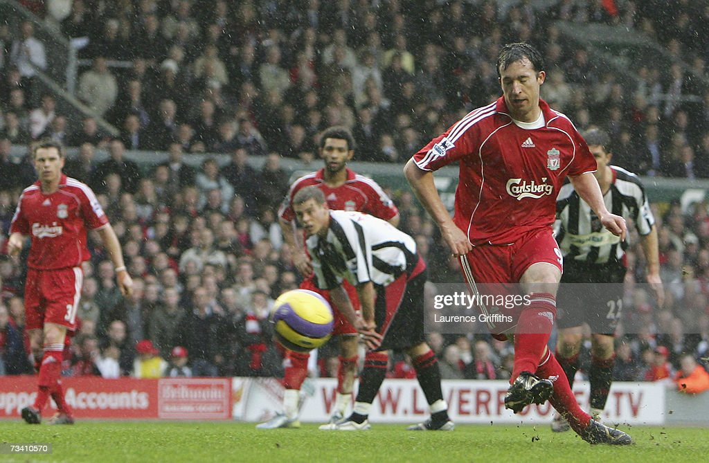 Liverpool v Sheffield United : News Photo