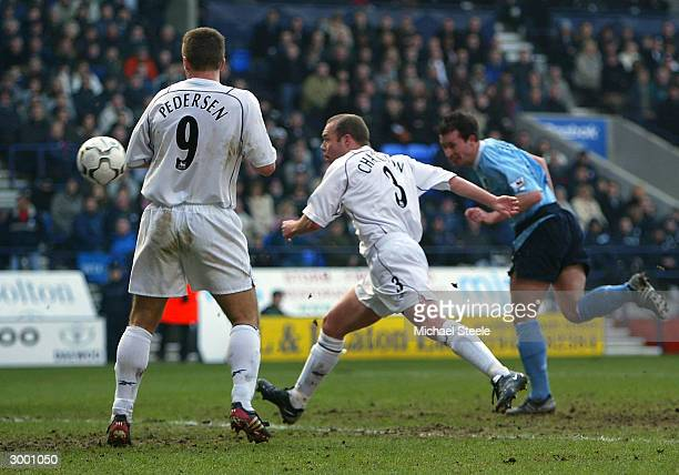 Robbie Fowler of Manchester City scores his second goal during the FA Barclaycard Premiership match between Bolton Wanderers and Manchester City at...