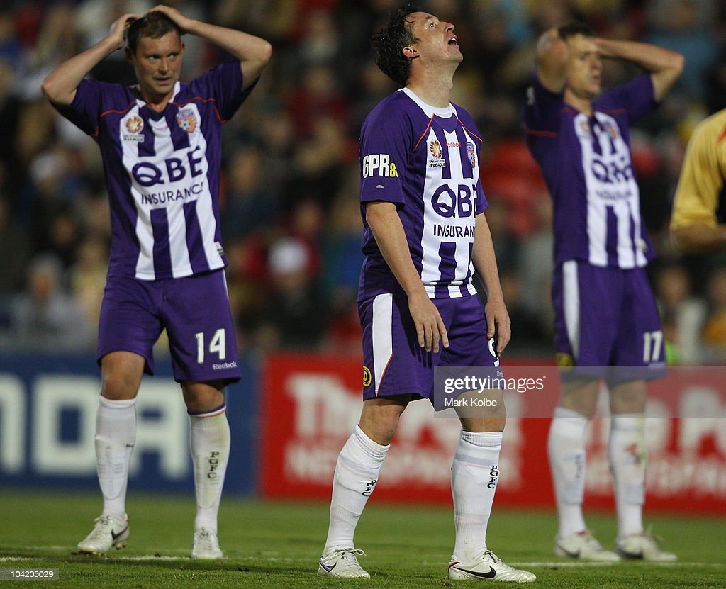 A-League Rd 7 - Jets v Glory