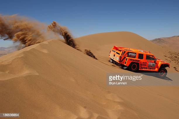 Robbie Gordon of the USA drives his Hummer through the sand dunes on stage during stage seven of the 2012 Dakar Rally from Copiapo to Copiapo on...