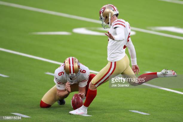 Robbie Gould of the San Francisco 49ers makes a 42-yard game-winning field goal during the fourth quarter to defeat the Los Angeles Rams 23-20 at...