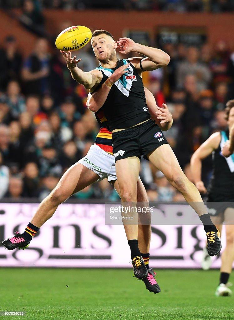 AFL Rd 8 - Port Adelaide v Adelaide : News Photo