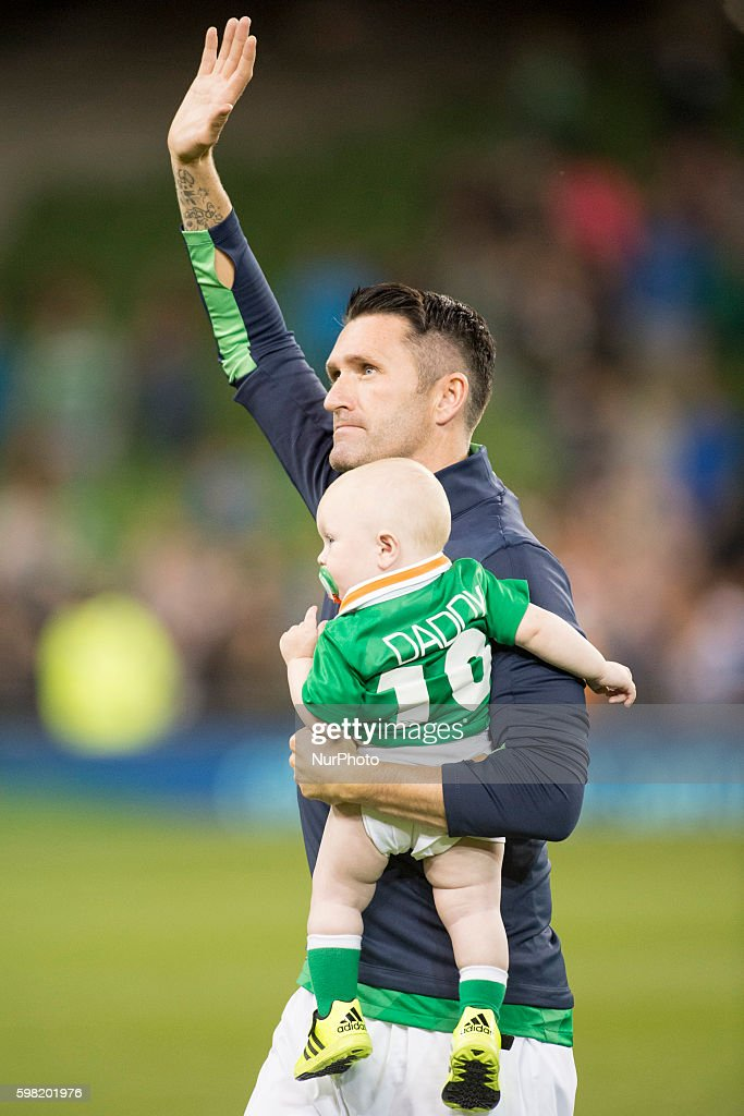 Robbie Keane of Ireland says goodbye to the fans after the International Friendly football match between Republic of Ireland and Oman at Aviva Stadium in Dublin, Ireland on August 31, 2016