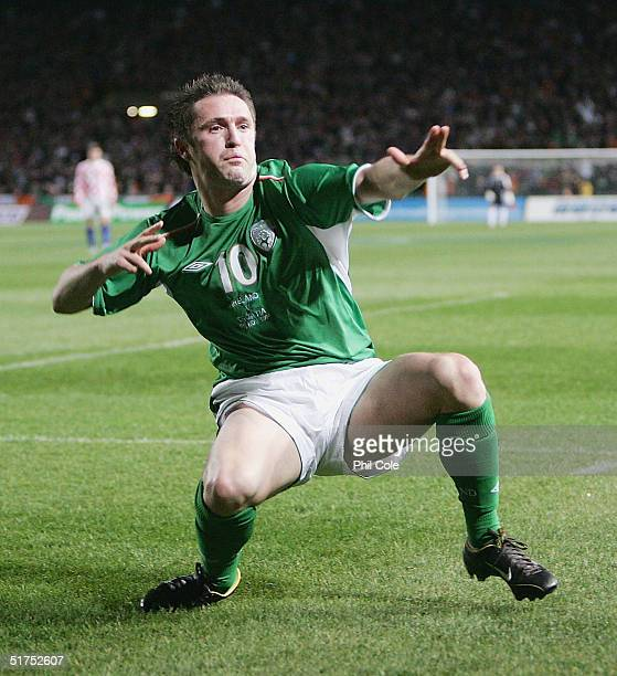 Robbie Keane of Ireland scores against Croatia during the Friendly match between Ireland and Croatia at Landsdowne Road on November 16, 2004 in...