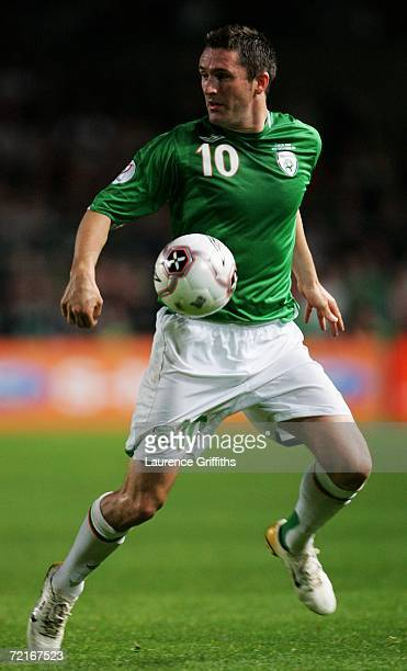 Robbie Keane of the Republic of Ireland controls the ball during the Euro2008 Qualifier between Republic of Ireland and Czech Republic at Lansdowne...