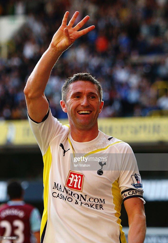 Tottenham Hotspur v Burnley - Premier League : News Photo