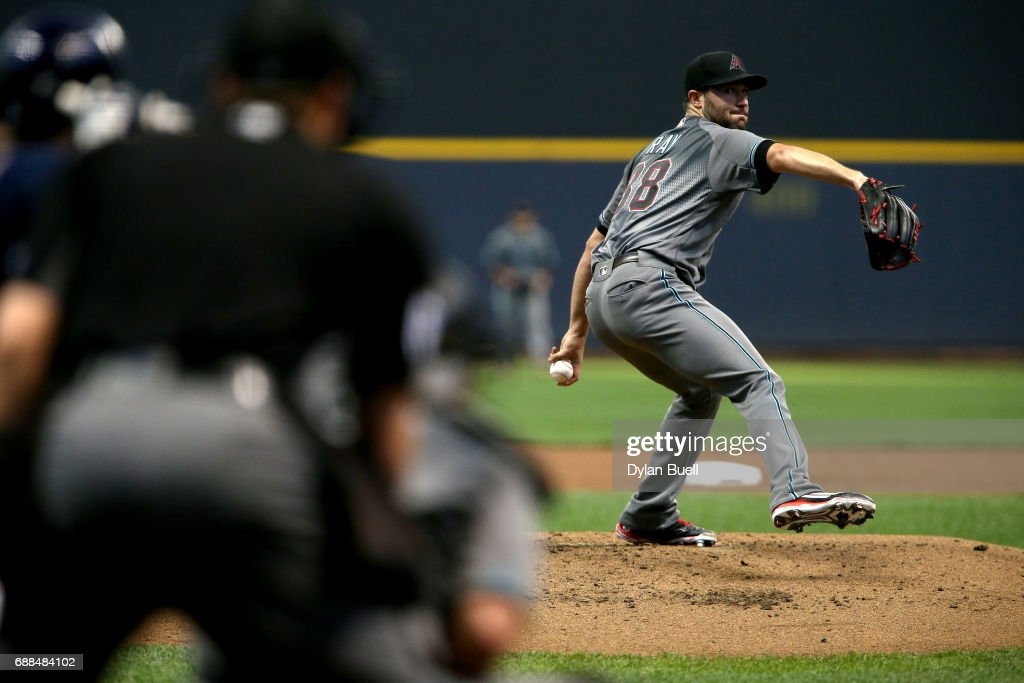 Robbie Ray #38 of the Arizona Diamondbacks pitches in the second inning against the Milwaukee Brewers at Miller Park on May 25, 2017 in Milwaukee, Wisconsin.