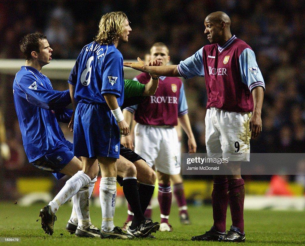 Robbie Savage of Birmingham City argues with Dion Dublin of Aston Villa : News Photo