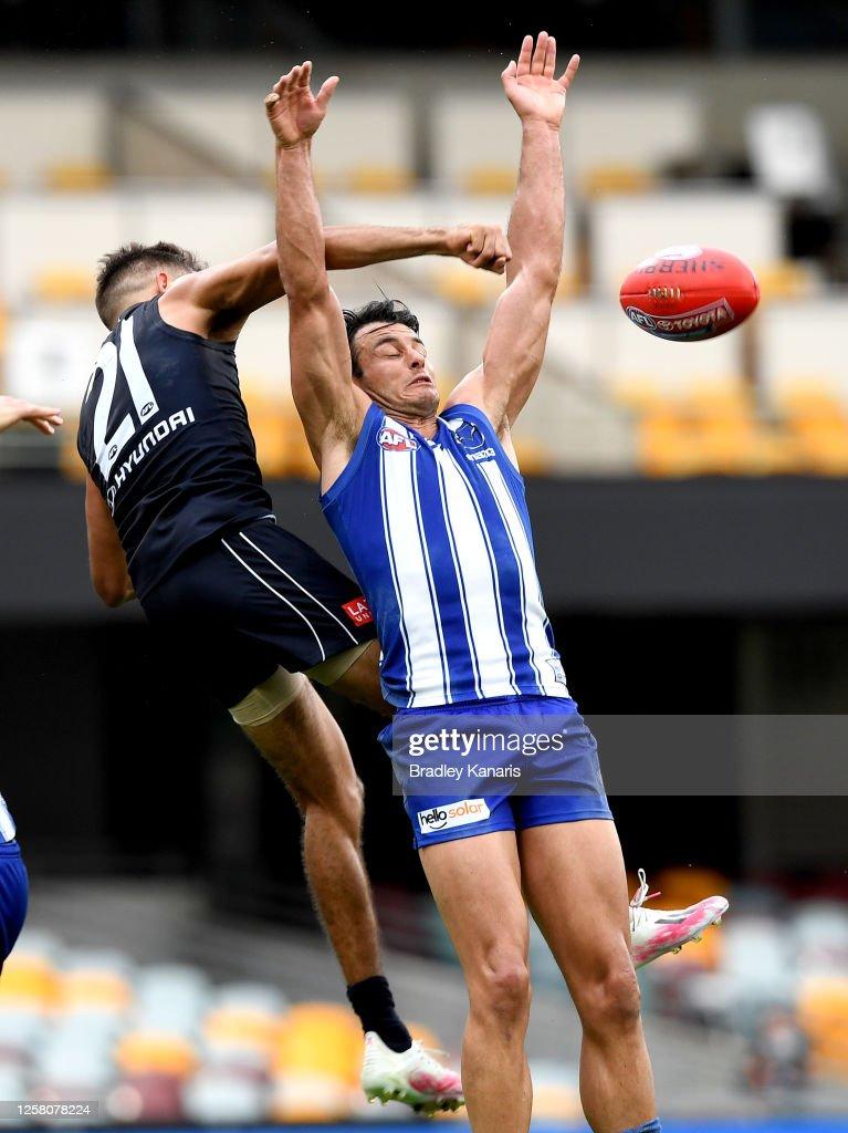 AFL Rd 8 - North Melbourne v Carlton : News Photo