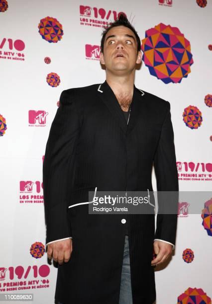 Robbie Williams during MTV Video Music Awards Latin America 2006 - Red Carpet at Palacio de los Deportes in Mexico City, Mexico.