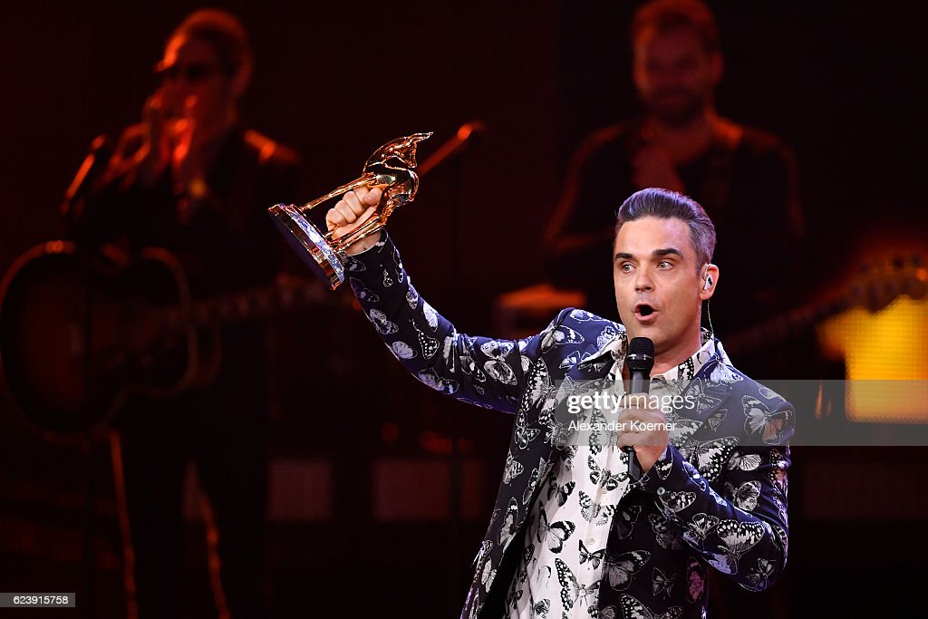 Robbie Williams on stage during the Bambi Awards 2016 show at Stage Theater on November 17, 2016 in Berlin, Germany.