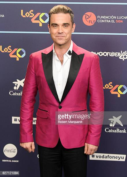 Robbie Williams poses for a photocall during the Los 40 Music Awards 2016 held at the Palau Sant Jordi on December 1 2016 in Barcelona Spain