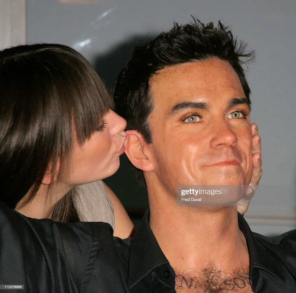 Robbie Williams Waxwork During Robbie Williams Waxwork Unveiled At Madame Tussauds In London At Madama Tussauds