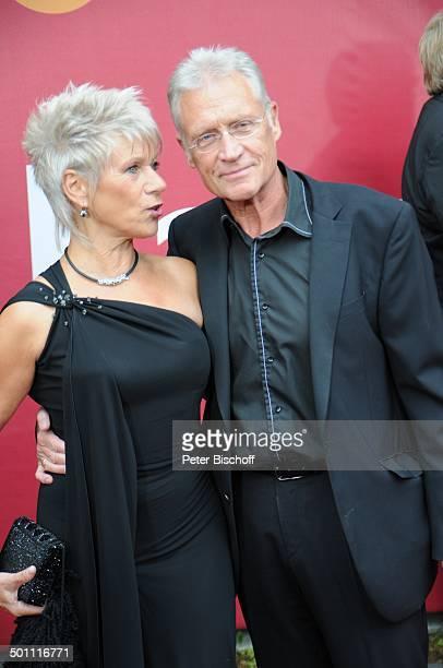 Robert Atzorn Ehefrau Angelika Hartung 21 Bayerischer Fernsehpreis 2009 Preis Der Blaue Panther Prinzregententheater München Bayern Deutschland...