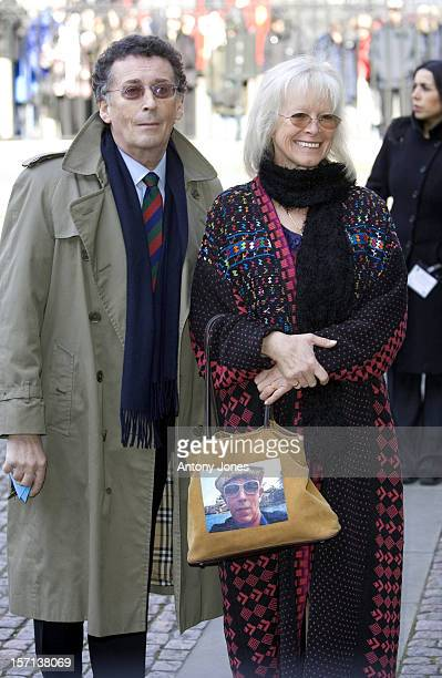 Robert Babs Powell Attend A Memorial Service For Ronnie Barker At London'S Westminster Abbey