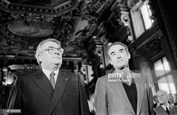 Robert Badinter et Pierre Mauroy assistent à la nomination de la première femme présidente de la cour de cassation : Simone Rozes