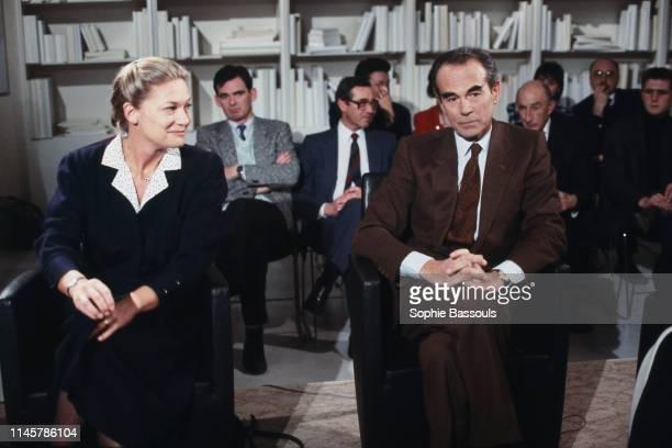 Robert Badinter et sa femme Elisabeth Badinter sur le plateau de l'émission Apostrophes