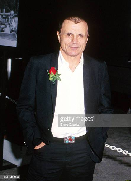 Robert Blake in a 1990 file photo Los Angeles Police went to the Hidden Hills CA home of his sister April 18 2002 to arrest the star of TV's Baretta...