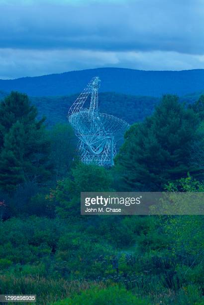 robert c. byrd green bank telescope (gbt) at dusk - national_science_foundation stock pictures, royalty-free photos & images