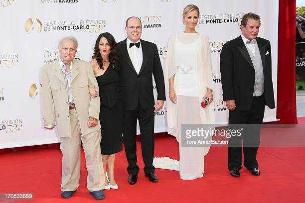 Robert Conrad Robin Tunney Prince Albert II of Monaco Adriana Karembeu and Tom Berenger attend the closing ceremony of the 53rd Monte Carlo TV...